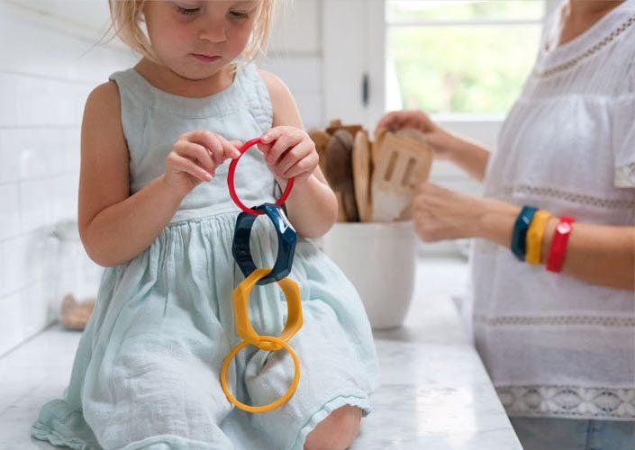 girl playing with bangles